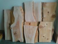 ウェルカムボードにピッタリのいい木入ってます!!